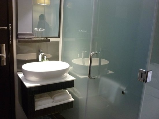 Bliss Hotel Singapore: Family Room - The Sink
