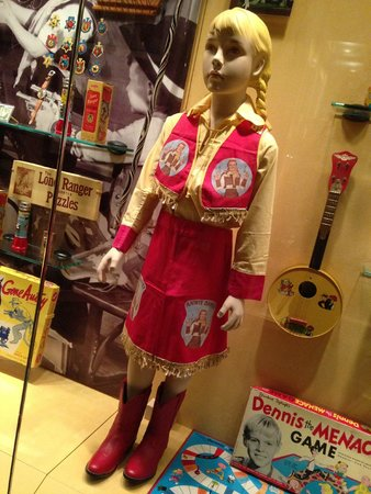 Geppi's Entertainment Museum: I know many girls who loved dressing like this when they were young.