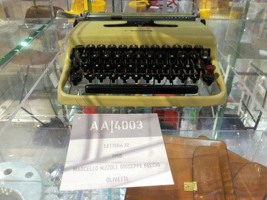 La Triennale de Milan : typewriter