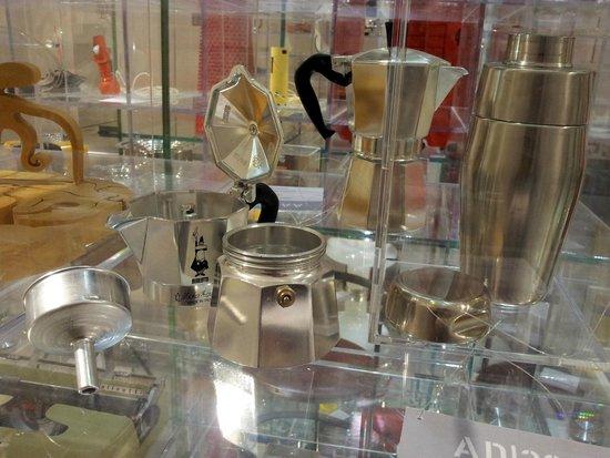 La Triennale de Milan : Italian coffee pot
