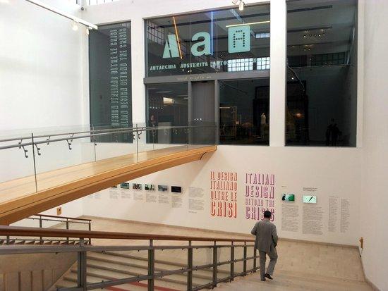 La Triennale de Milan : entrance