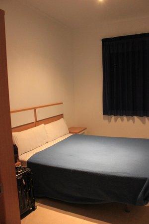 Apartamentos Turísticos Alicante Hills: спальня
