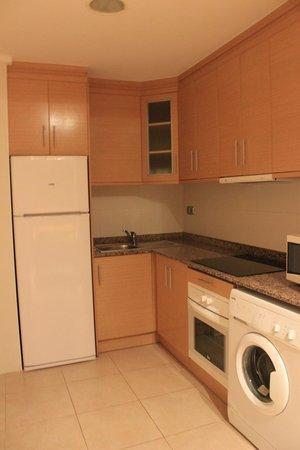 Apartamentos Turísticos Alicante Hills: куханная зона