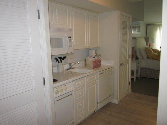 Winnetu Oceanside Resort: Kitchen