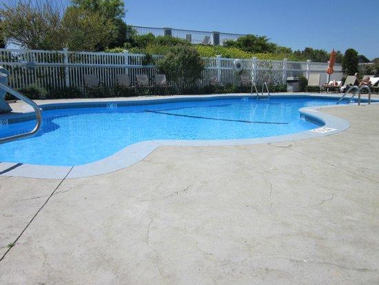 Winnetu Oceanside Resort: Pool