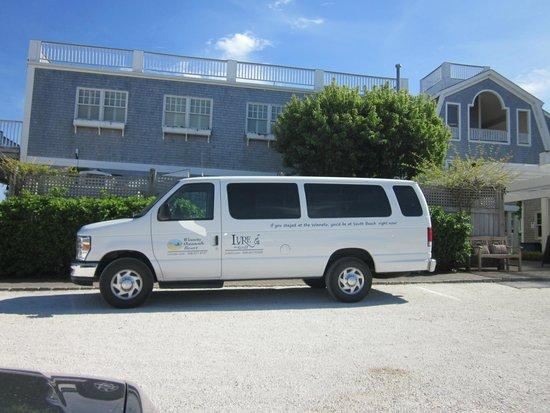 Winnetu Oceanside Resort: Complimentary Shuttle to downtown Edgartown