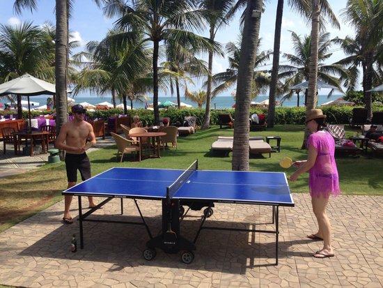 Bali Mandira Beach Resort & Spa: Table tennis pool & beachside