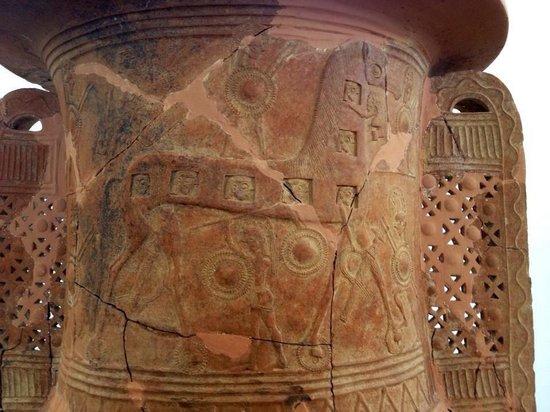 Museum of Prehistoric Thera: Trojan Horse