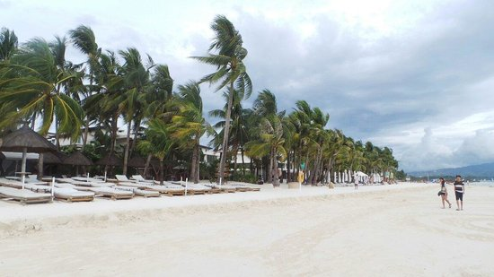 Friday's Boracay: Beautiful white beach hotel. But need more information to the overseas customers.