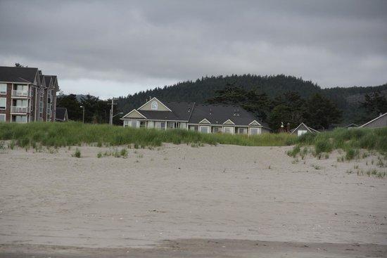 Inn of the Four Winds : Inn from the beach