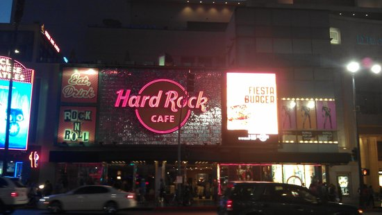 Hard Rock Cafe Hollywood at Universal CityWalk : Outside on Hollywood Ave