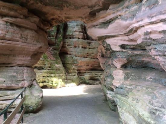 Dells Boat Tours: Stand Rock Landing Path