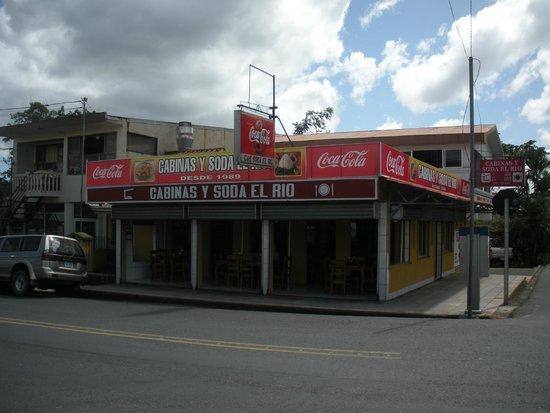 Soda El Rio: Open air soda