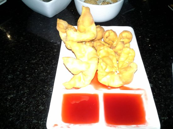 Shanghai Bistro: Crab Rangoon