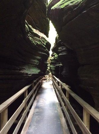 Dells Boat Tours: Witches Gulch Landing