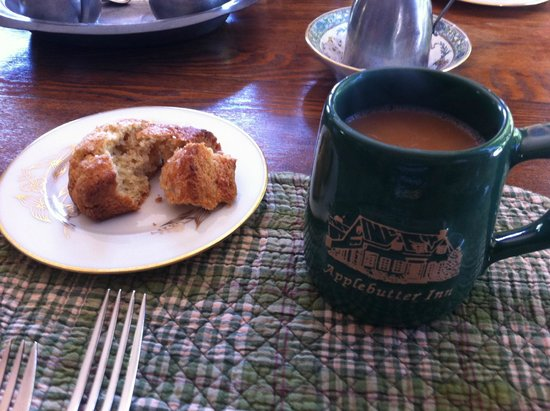 ‪‪Applebutter Inn Bed and Breakfast‬: Ginger Scone & coffee.‬