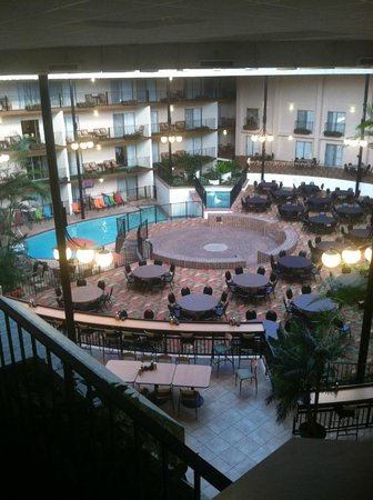 Holiday Inn - Airport Conference Center: View from 3rd floor hallway