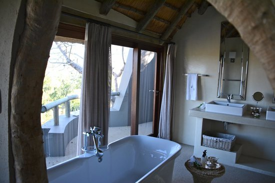 Leopard Hills Private Game Reserve: Bathroom #2.