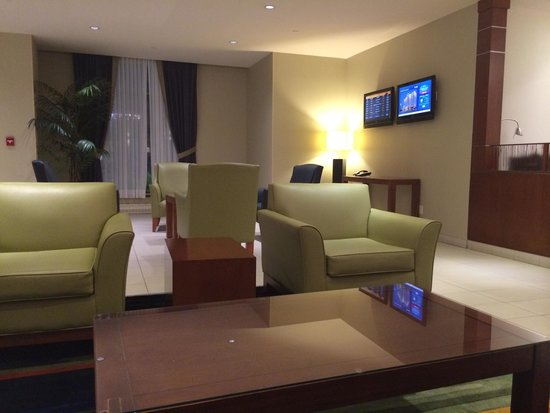 Fairfield Inn & Suites Montreal Airport: Lobby