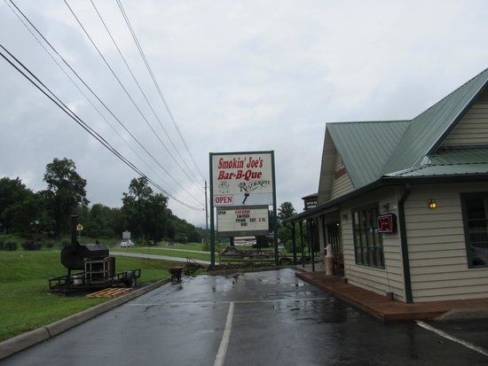 Smokin Joes : Sign out front