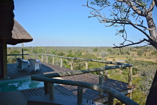 Leopard Hills Private Game Reserve : Balcony from outside shower.