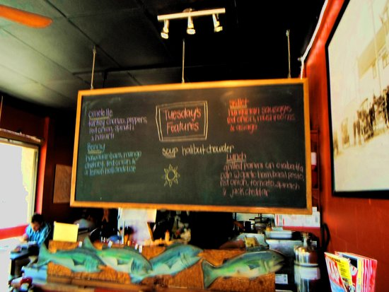 3rd St Cafe: Signage