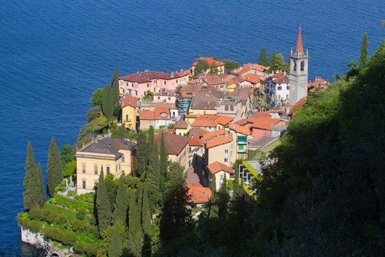Agriturismo Castello di Vezio: A short walk uphill deom Casa Milena, one can see Varenna
