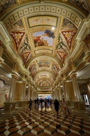 The Venetian Las Vegas: Beautiful public spaces!