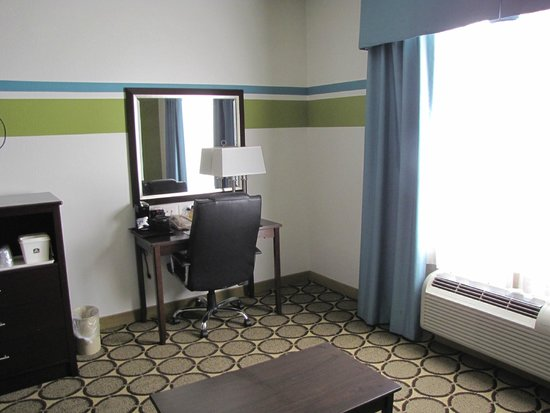 BEST WESTERN Douglas Inn & Suites: desk in room