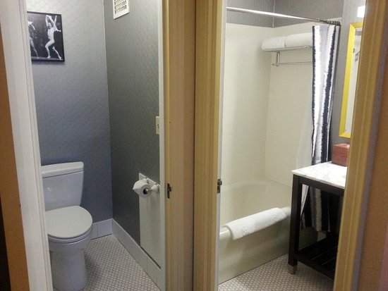 Graduate Berkeley: Bathroom and Shower Room