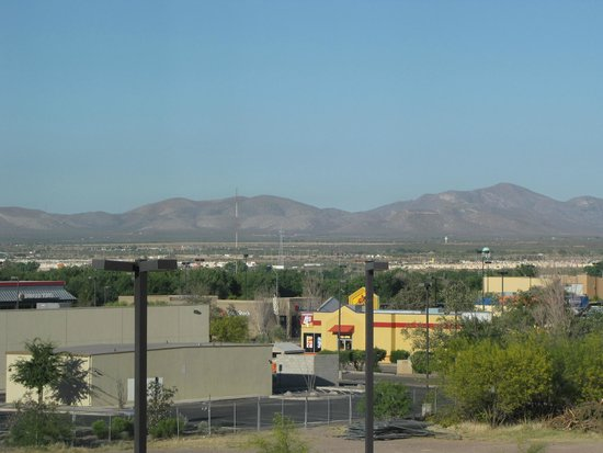 Best Western Douglas Inn & Suites: Mexico out the window