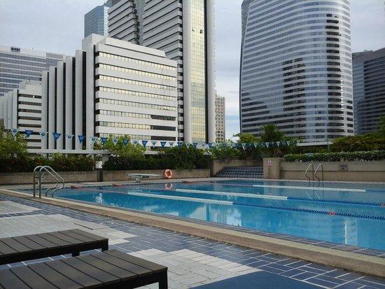 Trinity Silom Hotel: Pool at Trinity Complex