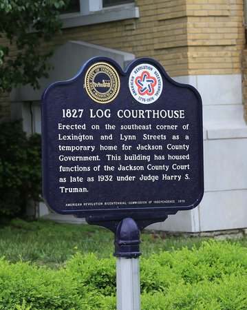 Pioneer Trails Adventures : Log Courthouse sign