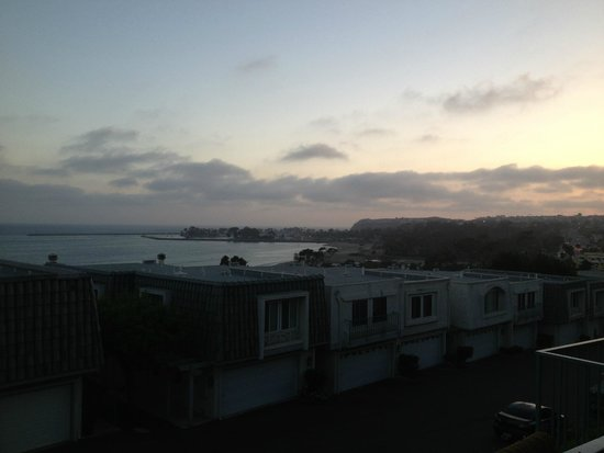 Dana Point, Kalifornien: View of harbor from south right after sunset June 2014