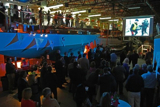 Herreshoff Marine Museum and America's Cup Hall of Fame : 2014 Frost Biter's Bash