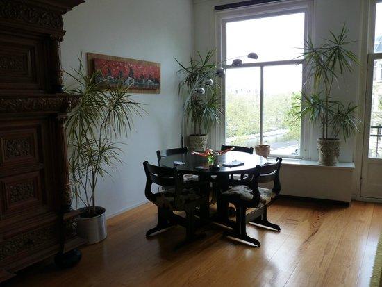 Tulipa Bed & Breakfast : Dining Area