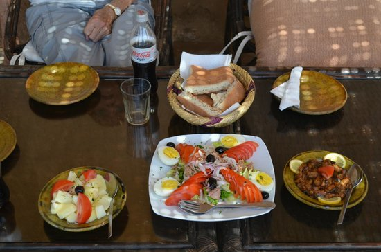 Kasbah Ait Ben Moro: Salads for Lunch