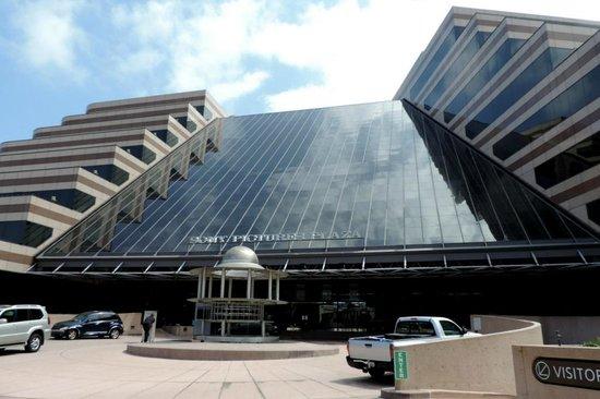 Sony Pictures Studio Tour: Huge building