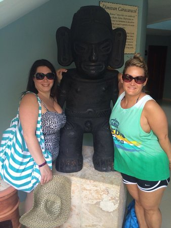 Grand Palladium Punta Cana Resort & Spa: Hanging with our buddy