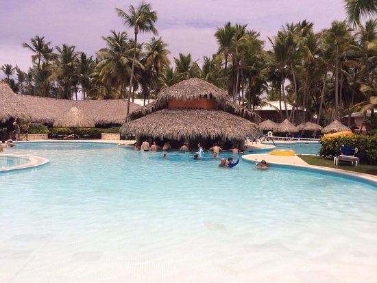 Grand Palladium Punta Cana Resort & Spa: Another pool bar