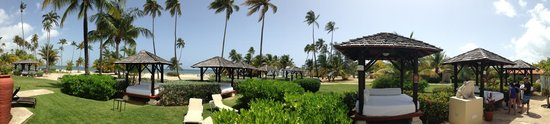 Gran Melia Golf Resort Puerto Rico: Grounds and bali beds