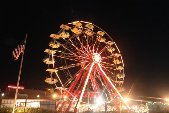 Beach Haven, NJ: The Giant Ferris Wheel at Fantasy Island