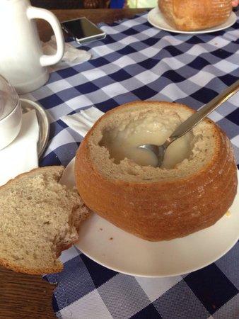 Slovak Pub : Чесночный крем-суп в хлебе