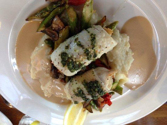 Lucas Wharf Restaurant: Dungeness crab stuffed petrale sole