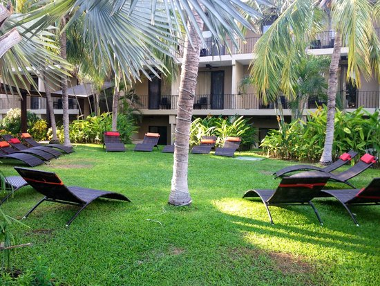 Flamingo Beach Resort And Spa: areas to relax