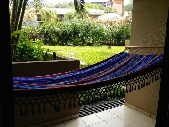 Flamingo Beach Resort And Spa: My personal hammock