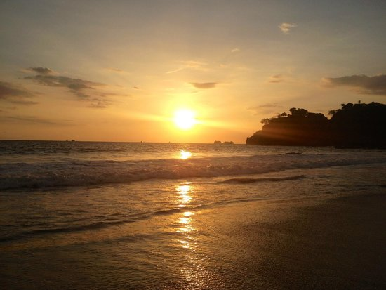 Flamingo Beach Resort & Spa : Sunset
