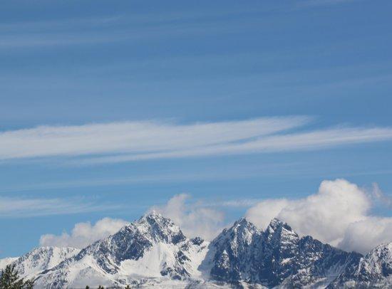 McKinley Explorer: View From Train