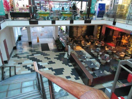 Capitol Square Hotel: レストラン