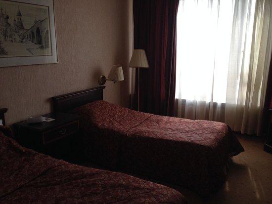 Hotel Cosmos : Стандартный номер. Цены на сайте и в реальности не совпадают. Цена на сайте меньше, вот она реал